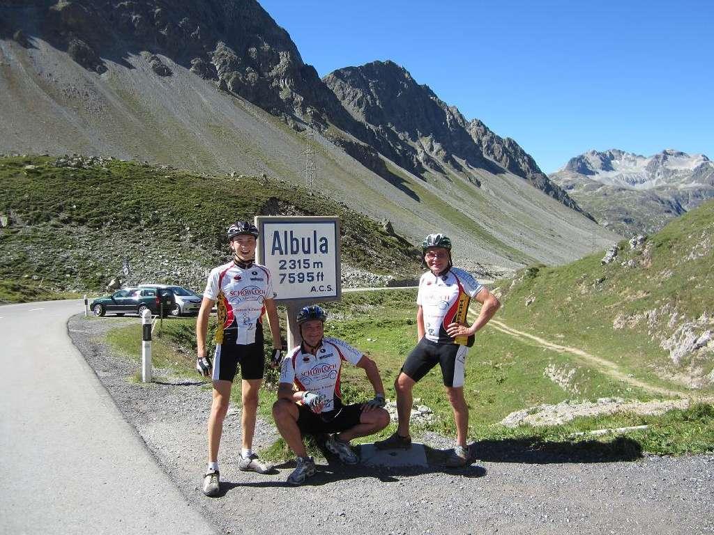 Zwei Pässe Tour in der Schweiz mit dem Bike